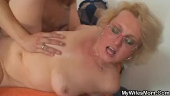 She fucks her son-in-law