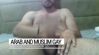 Muhair, an Arab to fuck with. Tall, hot body, pretty face, massive cock: enjoy Lebanese gay lust